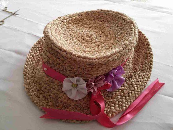 muz-lifinden-sanat-eserleri-mor beyaz çiçekli bayan şapka-81