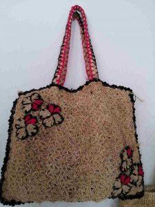 muz-lifinden-sanat-eserleri-bayan çanta-kenar çerçeveli, köşesi çiçek temalı-129