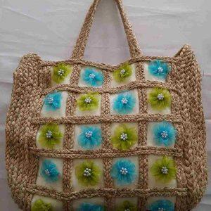 muz-lifinden-sanat-eserleri-bayan çanta-Beyaz zeminde mavi-yeşil çiçek desenli bayan çanta-126